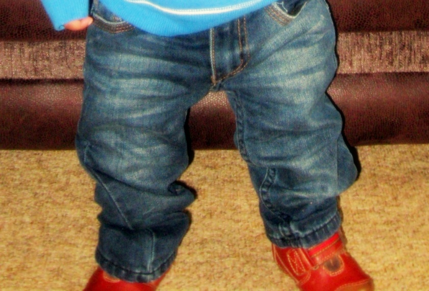 Lucas 13 months legs